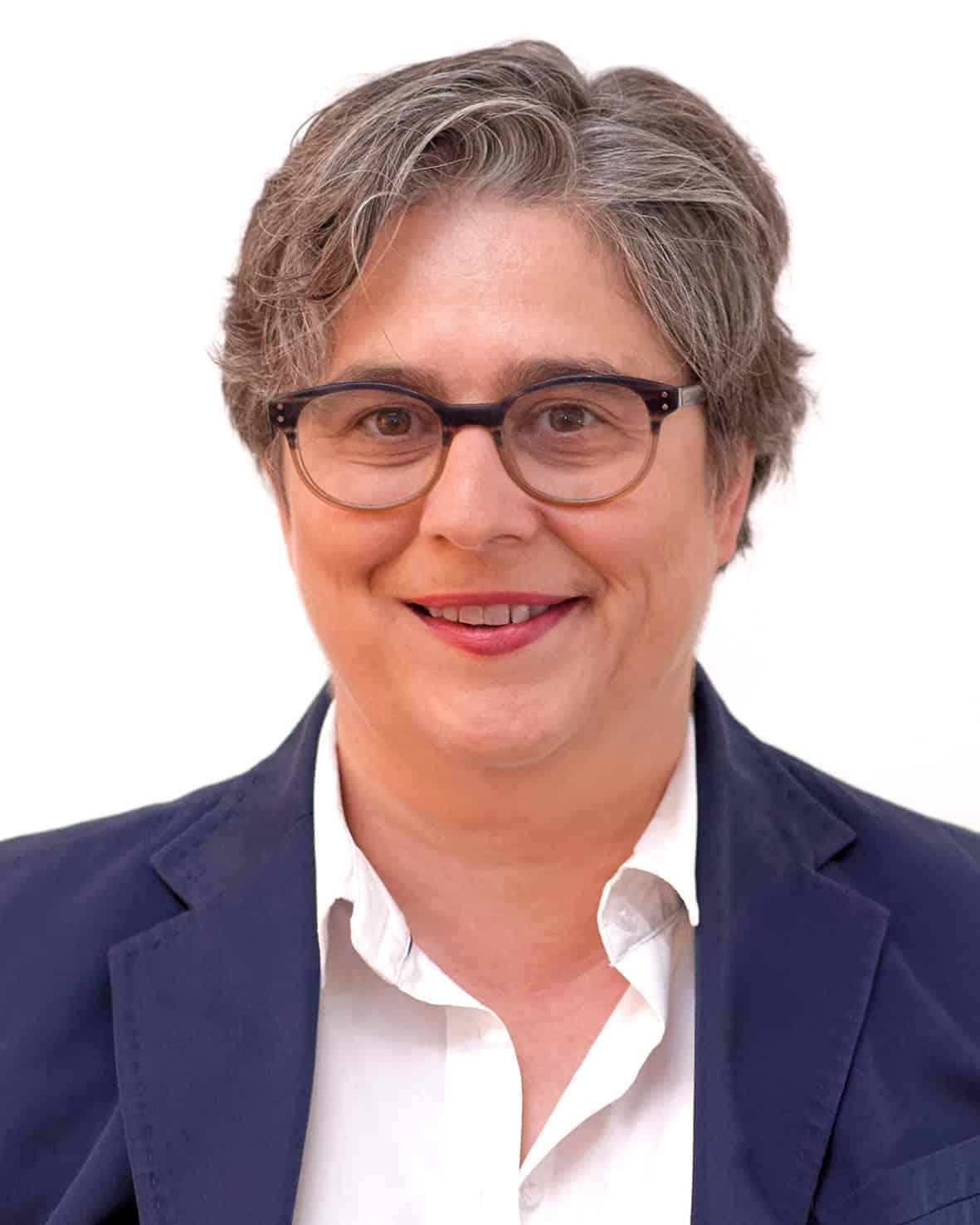 Rechtsanwältin Ulrike Silbermann ist Fachanwältin für Familienrecht und Fachanwältin für Verkehrsrecht